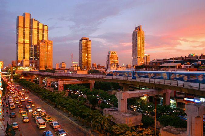 Bangkok_skytrain_sunset.jpg