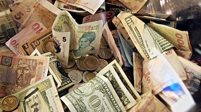 Forex_Money_for_Exchange_in_Currency_Bank.jpg