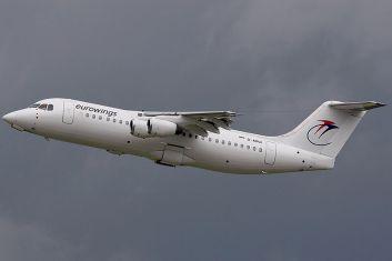 800px-British_Aerospace_BAe-146-300A,_Eurowings_AN1236399